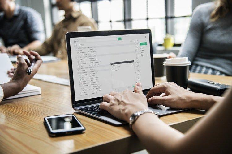 Nhận thông báo số dư tài khoản qua email