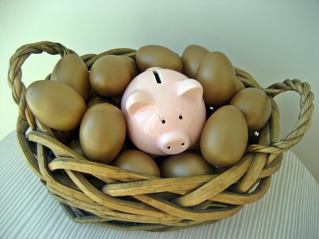 Bạn trẻ mỗi tháng nên tiết kiệm bao nhiêu?