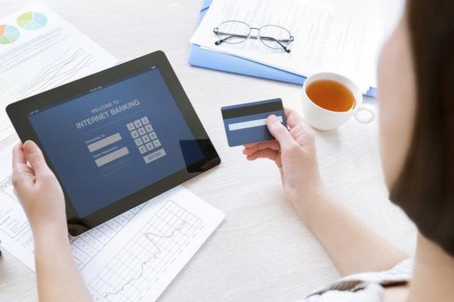 chuyển tiền qua số tài khoản hay số thẻ ATM