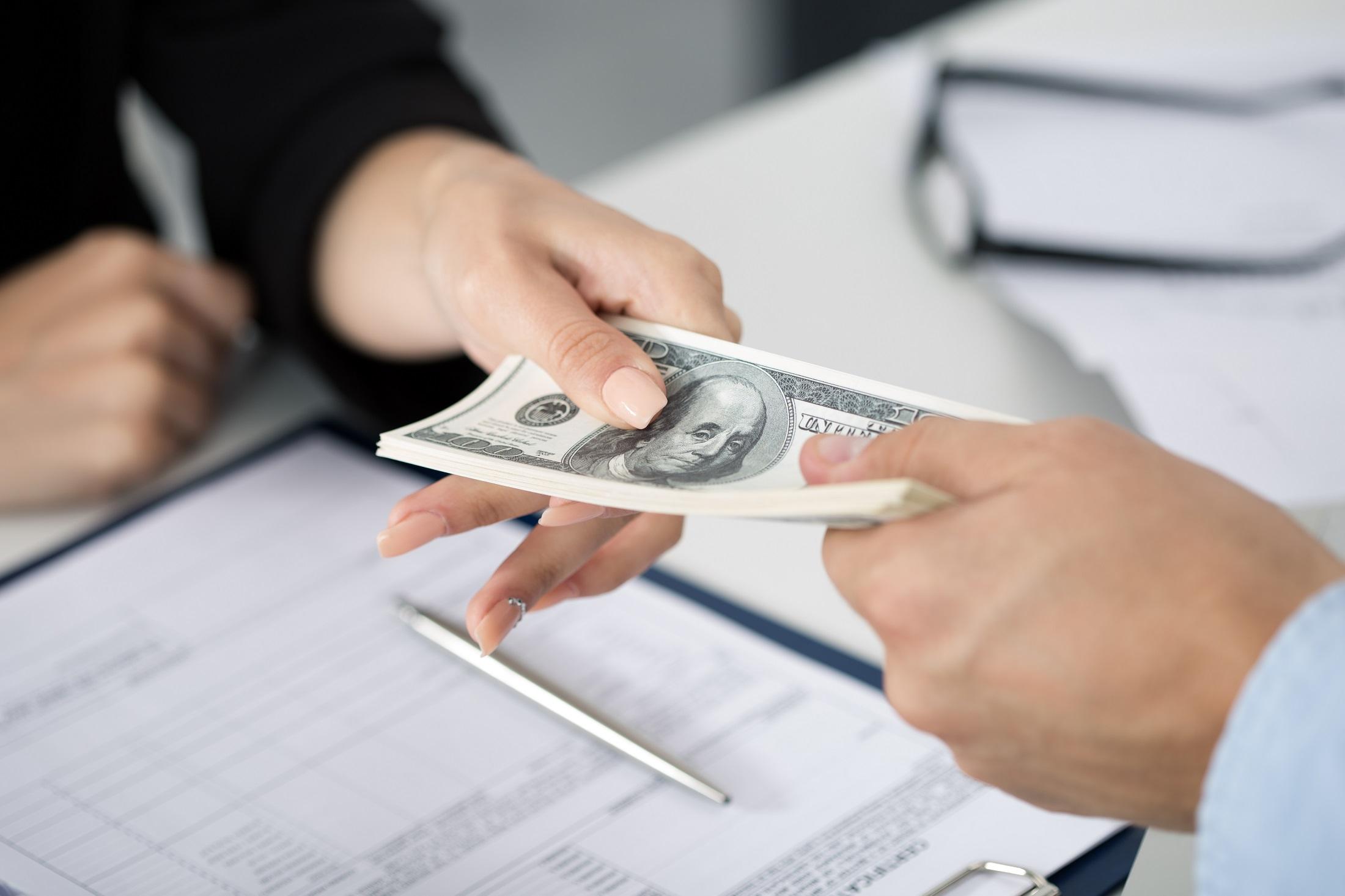 Nên vay thấu chi hay vay tín dụng? (Nguồn Internet)